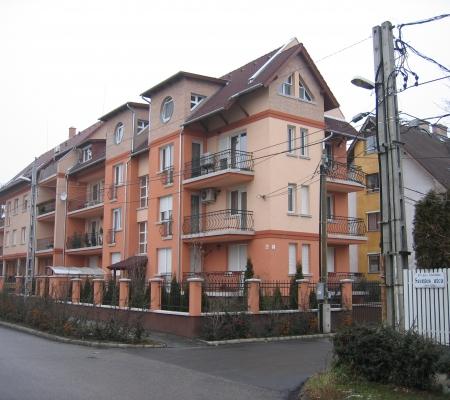 2004-2005 Budapest XIV. ker., Birtok u. 2. sz. – 6 lakásos társasház